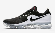 Nike Air VaporMax CS Black White AH9046-003 Nike Winter Shoes, Running Shoes Nike, Nike Shoes, Sneakers Nike, New York Fashion, Milan Fashion Weeks, Fashion Tips, Mens Fashion, Fashion Models