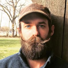 Mustache Men, Moustache, Hairy Men, Bearded Men, Types Of Beards, Big Blue Eyes, Male Pattern Baldness, Awesome Beards, Captain Hat