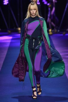 View the complete Versace Spring 2017 collection from Milan Fashion Week.