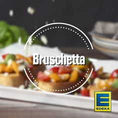 Bruschetta is the perfect choice for an aromatic starter, the perfect complement to any buffet or a delicious Mediterranean side dish. Experience Italian taste moments with our recipe! Source by edeka Healthy Gluten Free Recipes, Healthy Chicken Recipes, Beef Recipes, Healthy Snacks, Crockpot Italian Sausage, Recipe For Teens, Bruchetta, Dessert Buffet, Italian Recipes