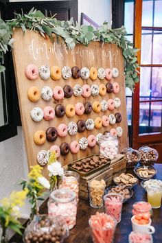 30 Best Wedding Donut Walls & Displays - Hochzeit ideen 30 Best Wedding Donut Walls & Displays Wedding Dinner Table Decoration An atmospheric wedding decoration ideas for your wedding wedding table Th Wedding Dinner, Wedding Table, Rustic Wedding, Wedding Ideas, Casual Wedding, Trendy Wedding, Dream Wedding, Wedding Vintage, Perfect Wedding