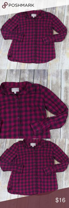 "Banana Republic Soft Wash Button Down Shirt Plaid Banana Republic Factory Women's Soft Wash Shirt.  Size medium.  Pink plaid pattern.  100% Cotton.  Machine wash.  Button down.  Super cute for casual or career wear.  In good, preowned condition with no flaws noted.  Measures approximately 20"" pit to pit, 25"" shoulder to hem.  No trades, offers welcome. Banana Republic Tops Button Down Shirts"