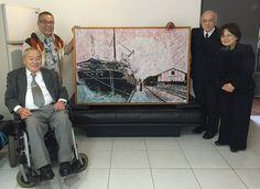 """O quadro """"Kasato Maru"""" também foi pintado por mim e também doado ao Museu Histórico da Imigração Japonesa no Brasil. Momento da entrega ao lado da Vice-Presidente da Comissão de Administração do Bunkyo, Sra. Lidia Reiko Yamashita, do Sr. Ryusaburo Mizuno (filho de Ryu Mizuno) e do amigo Sr. Mario Ikeda. — com Mario Ikeda, Ryusaburo Mizuno e Lidia Reiko Yamashita em  Sociedade Brasileira de Cultura Japonesa e de Assistência Social - Bunkyo."""
