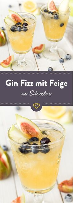 Mix dir diesen spritzigen Gin Fizz mit Feige zu Silvester First there were Hugo and Helga, then Inge and now this delicious Ginn Fizz with figs. Fruity classic with favorite cocktail potential. Drinks Alcohol Recipes, Non Alcoholic Drinks, Cocktail Drinks, Cocktail Recipes, Drink Recipes, Blue Drinks, Gin Fizz, Refreshing Summer Drinks, Winter Drinks