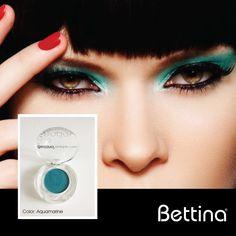 "Cerca de 20 colores de sombras esperan por ti... ""Vivid Eye Color"" de #Bettina Cosmetics. Tonalidades neutrales a vibrantes, de alta pigmentación y larga duración. #eyes #eyeshadow #cosmetics"