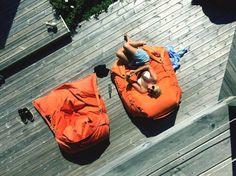 SMOOTHY Supreme Outdoor Sitzsack:  http://supersack.de/shop/outdoor-sitzsaecke/sitzsack-outdoor-supreme-185-x-145/