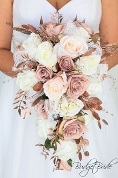 The dusty roses of the rose gold wedding flowers blush the pink roses, the tears cascade . The dusty roses of the rose gold wedding flowers blush the pink roses cascading tears, the Blush Pink Wedding Flowers, Dusty Rose Wedding, Fall Wedding Bouquets, Blush Roses, Bride Bouquets, Floral Wedding, Gold Bouquet, Rose Gold Weddings, Beach Weddings