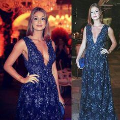 Look completo da atriz. O vestido foi assinado pela estilista Paula Aziz, da grife carioca Agilitá (Foto: Reprodução Instagram)