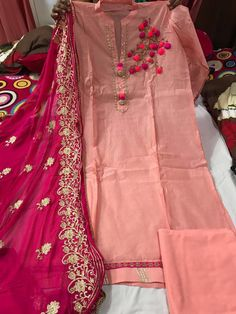 Pakistani Outfits, Indian Outfits, Kurti Embroidery Design, Embroidery Patterns, Hand Embroidery, Party Wear Dresses, Casual Dresses, Saris, Applique Dress
