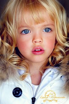 Ideas For Children Photography Winter Blue Eyes Beautiful Little Girls, Beautiful Children, Beautiful Eyes, Beautiful Babies, Beautiful People, Most Beautiful Child, Amazing Eyes, Cute Kids, Cute Babies