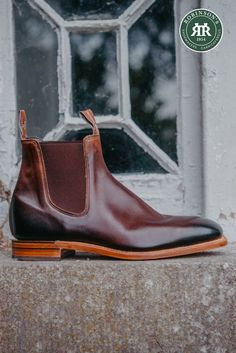 Shop our range of R.M. Williams boots online and at our Belfast store. Featured: R.M. Williams Chinchilla in Bordeaux. #rmwilliams #rmwilliamsboots #robinsonsshoes #comfortcraftsman #rmwilliamschinchilla R M Williams Boots, Rm Williams, Leather Chelsea Boots, Leather Men, Leather Boots, Sustainable Clothing, Boots Online, Classic Man, Chinchilla