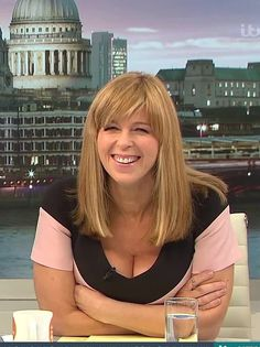 Itv Presenters, Cute School Uniforms, Kate Garraway, Tv Girls, Holly Willoughby, Hollywood, Gorgeous Blonde, Stunning Women, British Actresses