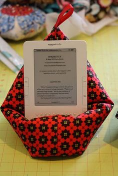Kindle pillow with instructions