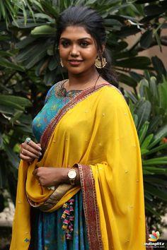 Riythvika Beauty Full Girl, Beauty Women, Hot Beauty Hair, Beautiful Women Over 40, Arab Girls Hijab, Indian Girls Images, Girl Fashion Style, Indian Actress Photos, Most Beautiful Indian Actress