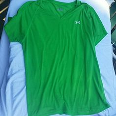 Tee Green tee Under Armour Tops