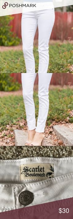 ✨Never Worn✨ White Jeggings Perfect summer jeggings, never worn! I ordered them online and they ended up being too long for me. Inseam is 30 inches. Scarlet Boulevard Jeans Skinny
