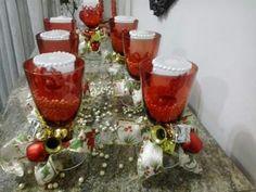 Taças, velas e pérolas para o Natal