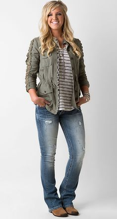 On the Line - Women's Outfits | Buckle