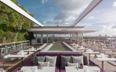 Servign French, Japanese and Peruvian cuisine, Juvia crowns a Herzog & de Meuron-designed complex overlooking Miami Beach. A retractable roof covers the terrace and a 22ft-tall living wall provides an unexpectedly lush backdrop