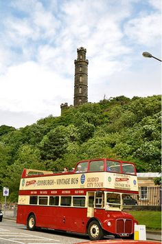 Nelson Monument and the Vintage bus | Edinburgh, Scotland