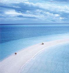 Oh my word...a beach between 2 oceans?How is this true?  #beach  #blue  @Marcia Cunha Howard Cay-Bahamas