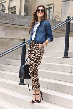 10 Ways to Rock Printed Pants This Spring Soft Pants for the expert: patterns and bold prints. The denim jacket tons it down, however the printed t and the bold pants add a rebellious feel. Daring for the newbie, but so cute. Leopard Print Outfits, Leopard Print Pants, Animal Print Outfits, Animal Print Fashion, Fashion Prints, Leopard Pants Outfit, Animal Print Pants, Animal Prints, Soft Pants Outfit