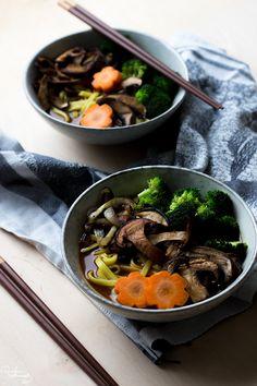Ruoka-alkemisti: Japanilainen ramen-keitto sienillä