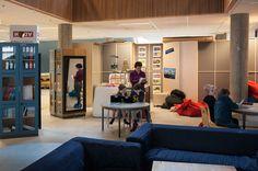 » Quando la didattica cambia lo spazio Thesis, Conference Room, Table, Furniture, Home Decor, Decoration Home, Room Decor, Tables, Home Furnishings