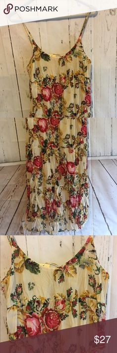 """Anthropologie Aryeh Needlepoint Dress Sz M NWT This is so beautiful! It measures 24"""" long 19"""" from armpit to armpit when it is laid flat and 27"""" from shoulder to sleeve. It is 100% Cotton! If you need additional measurements please let me know and I will get them to you quickly before purchasing. Anthropologie Dresses Midi"""