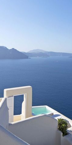Canaves Oia Hotel & Suites, Santorini. http://www.mediteranique.com/hotels-greece/santorini/canaves-oia-hotel-suites/