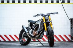 1998 Yamaha WR400 Street Tracker by Meccanica Serrao D'Aquino #motorcycles #streettracker #motos | caferacerpasion.com