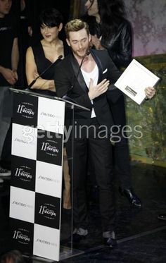 "http://www.gettyimages.es/Search/Search.aspx?contractUrl=2&assetType=image&family=Editorial&p=Pablo+Rivero#2 Foto: Europa Press El ACTOR PABLO RIVERO recibe el premio Shangay 2012 a la mejor interpretación teatral, por su papel de Martin von Essenbeck en ""La Caída de los dioses"",.homenaje del director esloveno Tomaz Pandur,a Luchino Visconti ,con una versión teatral de la película con el mismo nombre."