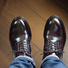 Mens Blue Dress Shoes, Us Man, A Good Man, Woodworking Projects, Oxford Shoes, Suit, Mens Fashion, Jeans, How To Wear