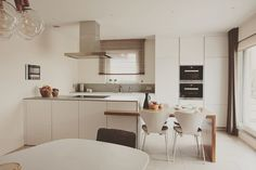 Ostrůvkový odsavač Novy Flat'line 100 cm se štěrbinovým odsáváním. Fritz Hansen, Modern, Kitchen Design, Interiordesign, Kitchen Island, Furniture, Decoration, Projects, Home Decor