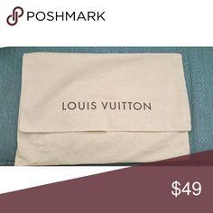 💯Authentic Louis Vuitton Purse Dust Bag Authentic Louis Vuitton sleeper dust bag for medium size purse. Measures approx.15 in L x 10.5 in H. NO TRADES 🅿🅿✔Ⓜercari✔ Louis Vuitton Accessories