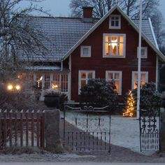 The rain makes me crave for this.....❤️ #norregård #myhome #hemma #athome #sekelskifte #anno1912 #svenskahem #scandinavianhomes… Swedish Cottage, Red Cottage, Swedish House, Cozy Cottage, Cottage Style, Red Houses, Scandinavian Home, Christmas Home, My Dream Home