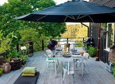 perfect deck for relaxing....