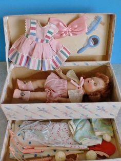 1952 - GINNYS FITTED WARDROBE CASE - with Doll & All Accessories