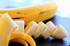 Banana Nutrition Facts, Banana Health Benefits, Banana Peel Uses, Easy Home Recipes, Anemia, Keto Carbs, Banana Contains, Natural Treatments, Salads