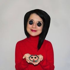 Awesome Coraline cosplay!