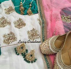 Punjabi outfit, perfect for parties/casualwear.Love the colour combination Indian Suits, Indian Attire, Indian Dresses, Indian Wear, Punjabi Salwar Suits, Patiala Suit, Salwar Kameez, Phulkari Suit, Churidar