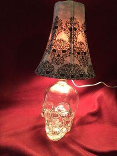 Unique Crystal Head Vodka Lamp
