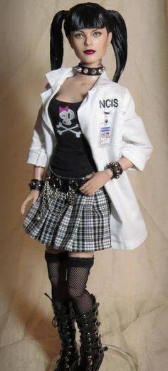 OOAK NCIS Abby Sciuto Pauley Perrette Custom Tonner Action Figure / Doll Repaint