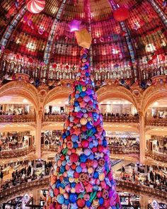 Incase you arent in the festive mood yet  @lauracomolli - via Condé Nast Traveler on #Instagram : Exciting #Travel Tips and Destinations - International #Holiday Ideas - Tropical #Vacations - Exotic Tourist Spots - Adventure Travel Inspiration - Luxury #Hotels and Beautiful Resorts Pictures by Traveling247