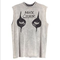 H&M Grey Alice Cooper Oversized top Brand: H&M (Divided)         Size: S (but since it's oversized, so I would say it fits Size M).         100% cotton (plz see more details in the last pic).         New with tag.          ‼️Price is firm but I provide 10% off if u bundle 2+ H&M Tops