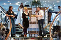 Hochzeitsmesse auf der Kristallkönigin im Januar 2013: Jeannine Tieling als Moderatorin der Modenschauen.  (Foto: Petra Homeier Fotografie)