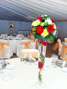 aranjamente florale nunti - Google Search Table Decorations, Google, Furniture, Home Decor, Decoration Home, Room Decor, Home Furnishings, Home Interior Design, Dinner Table Decorations