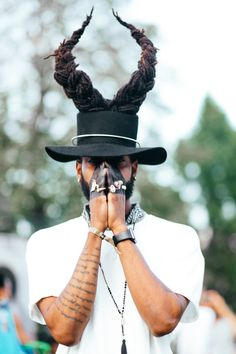 Pocket: 56 Afropunk Photos That Remind Us Being Black Is Lit Afro Punk Fashion, Mens Fashion, Fashion Tips, Rock Fashion, Lolita Fashion, My Black Is Beautiful, Beautiful People, Black Girls, Black Men