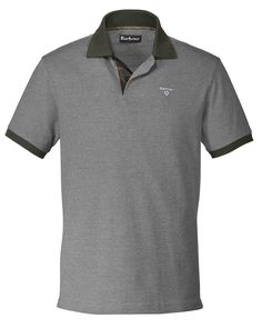 Polo-Shirt Tartan Pique Polo Mix    Gerade geschnittenes Polo-Shirt mit Seitenschlitzen und Logostick auf der Brust. Nackenband mit typischem Tartan-Muster.    Materialzusammensetzung:  Oberstoff: 100% Baumwolle...