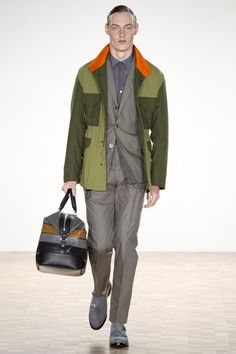 See the Hardy Amies spring/summer 2016 menswear collection. Click through for full gallery